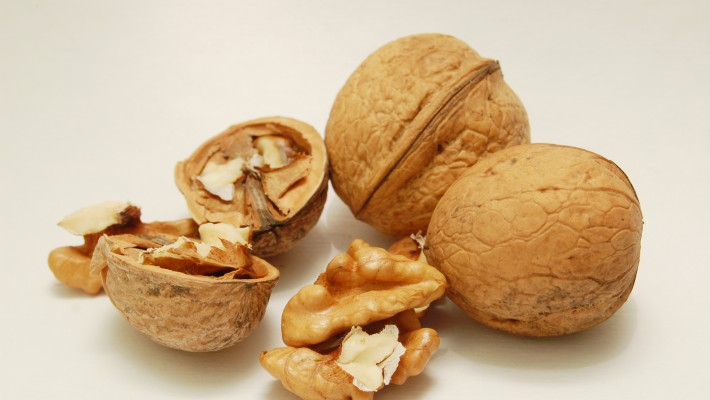 Can Walnuts lower the risk of Cardiovascular disease?